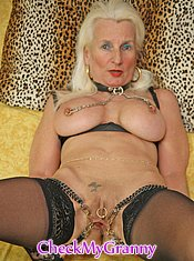 Sexy mother haveing sex